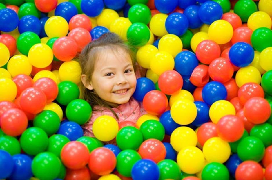 فواید استخر توپ کودکان